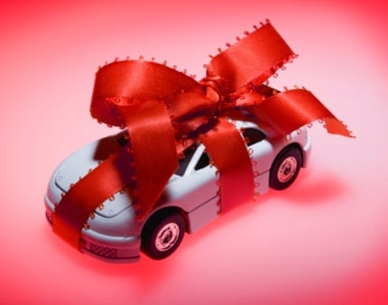 MAIN_213-Toy-Car-Wrapped-In-Ribbon