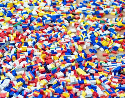 MAIN_219-Sea-of-colorful-Lego-blocks_450x300